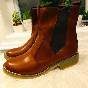 !!Camel colored booties!!